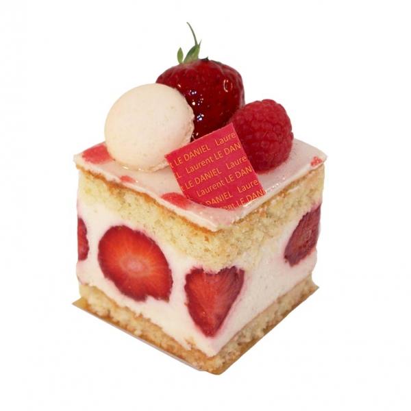 pâtisserie dessert petit gâteaux aux fruits fraisier fruits rouges fraises fraisier individuel salon de thé laurent le daniel maison le daniel mof meilleur ouvrier de france pâtisserie desserts à rennes ille et vilaine bretagne