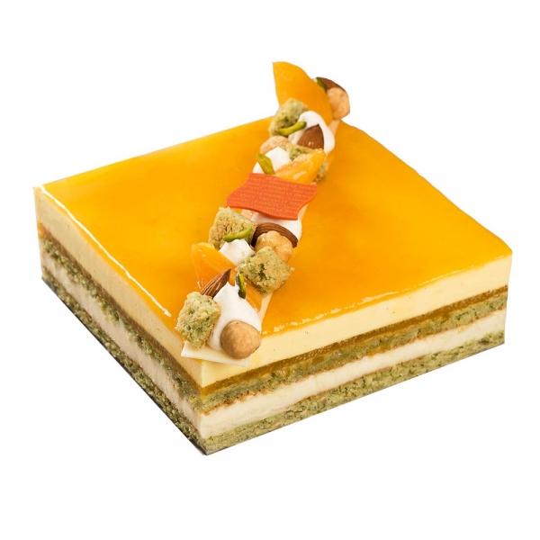 dessert enetremets gâteau aux fruits saveurs abricot pistache nougat dessert laurent le daniel maison le daniel mof meilleur ouvrier de france pâtisserie à rennes ille et vilaine bretagne